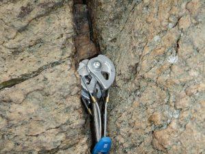 Cinkot vklíněnců na sedáku aneb chci lézt i tradiční skalní cesty